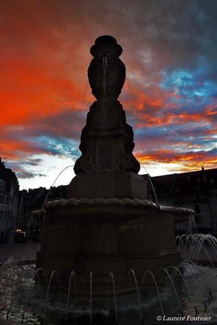 BEZAK_fontaine_place_de_la_Révolution_en