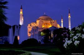 Istanbul-Aya Sofia & jardin.JPG