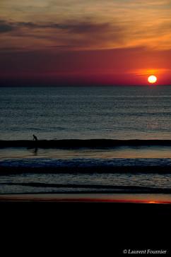 Biarritz_(surfeur_à_la_Grande_Plage).JPG