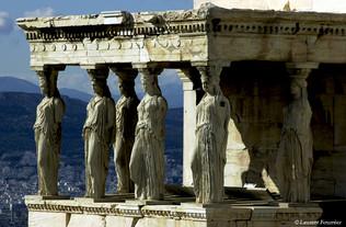 Athènes, l'Érechtheion (les Caryatides).