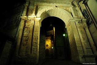 BEZAK_Arc_de_Triomphe_&_Cathédrale_St-Je