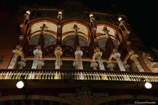 Barcelona (Casa de Musica, le balcon).JP