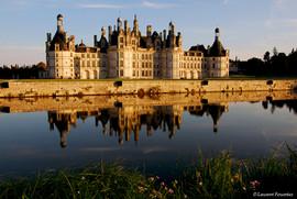 Chambord_(château_et_son_reflet_dans_le_