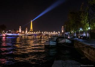 Paris (la tour Eiffel & les quais).JPG