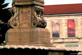 BEZAK_place_de_la_révolution_(fontaine_&