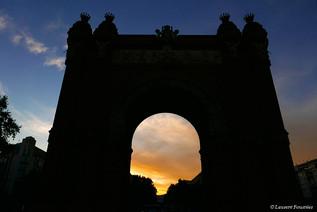 Barcelona Arc de Triomf sunset.JPG