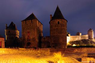 Fougères (Bretagne, la cité fortifiée) c