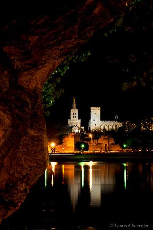 Avignon (palais des Papes & tronc).JPG