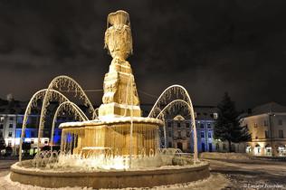 BEZAK_place_révolution_&_fontaine_enneig