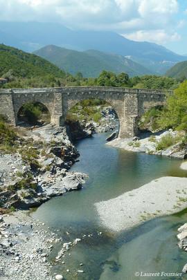 Corsica pont sur la nationale 200.JPG