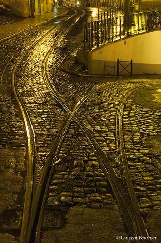 Lisboa-rail_du_Tramway_après_l'averse-PT