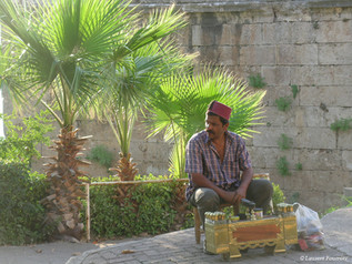 Antalya, cireur de chaussures-TK.JPG