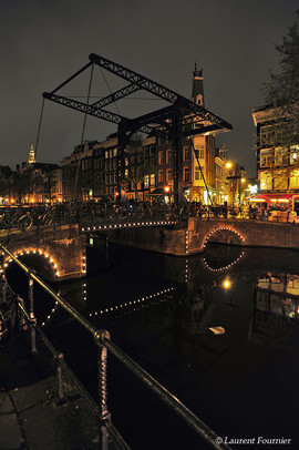 Amsterdam_(pont_à_balancier).JPG