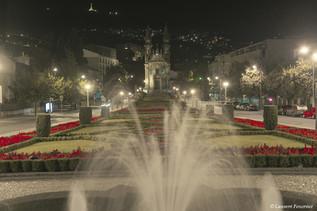 Guimarães_by_night_(largo_republica_do_B