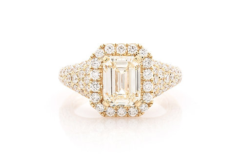 18 KT YELLOW GOLD 3.72 CTW EMERALD-CUT DIAMOND HALO ENGAGEMENT RING