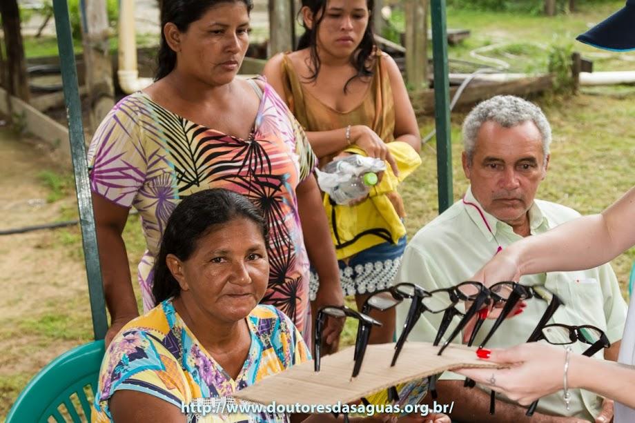 Apoiadores do Projeto doam óculos