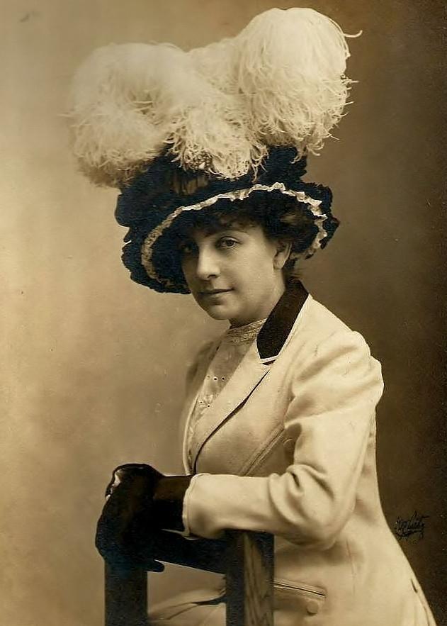 Countiss, c. 1908