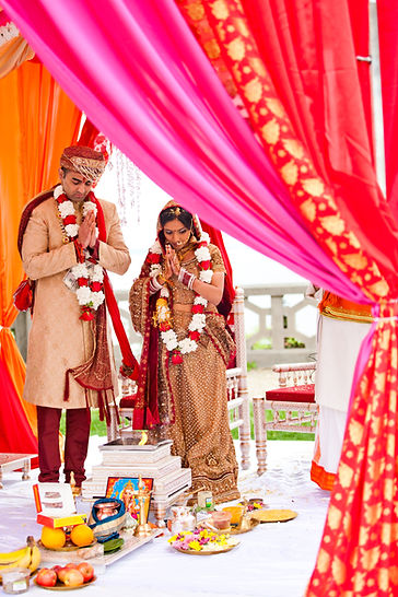 We LOVE working with busy professionals to create a spectacular celebration of a lifetime in NY, SoCal or the Caribbean.   We specialize in South Asian Weddings.