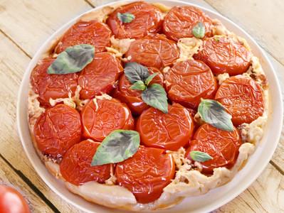 La tarte Tatin salée: Tomates & Escargots !