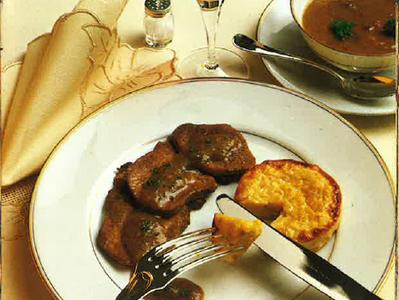 Langue de bœuf sauce piquante et son flan de maïs