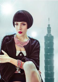 magazine cover and fashion spread  Tiffany Ann Hsu (taiwan ) 许玮宁一般指许玮甯,拥有二分之一意大利血统,华语影视女演员、时尚模特。                  cy-art0025flar.jpg