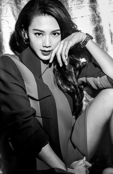 icon malaysia magazine cover and fashion spread  周秀娜 Chrissie Chau; 是香港知名女演员、模特儿。                chrissie4888.jpg