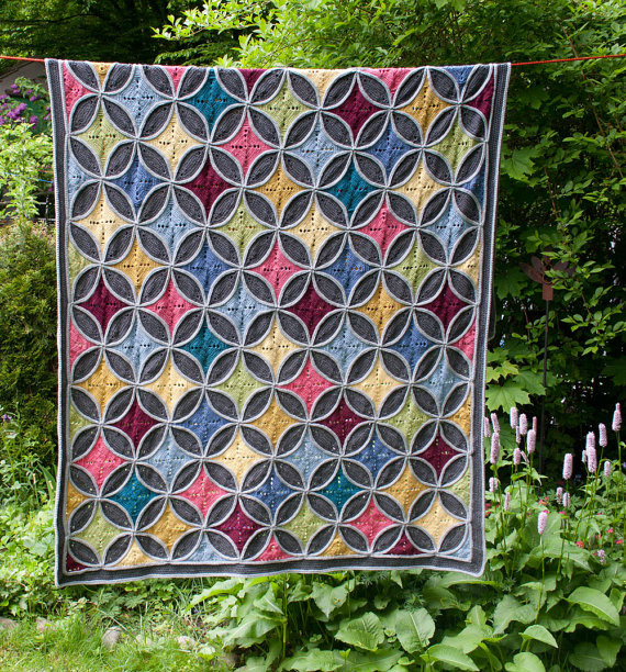 Cathedral window blanket pattern