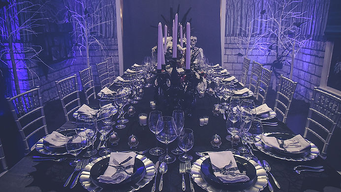 hallowen table one side_.jpg