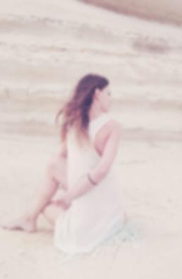 Laura Assari Yoga Almeria. Kalma Yoga, Centro de Yoga. Clases de Yoga en Almeria