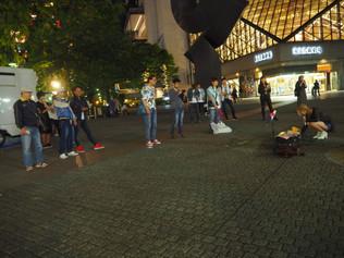 池袋駅にて、路上ライブしてきました。
