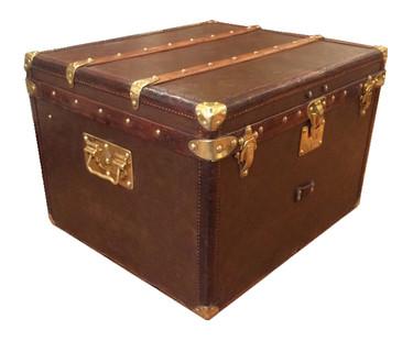 A Louis Vuitton accessory trunk