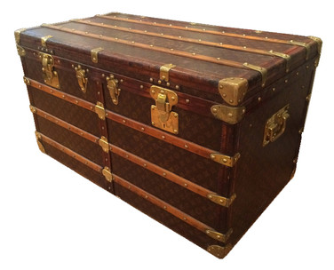 A very rare Louis Vuitton Shirt trunk