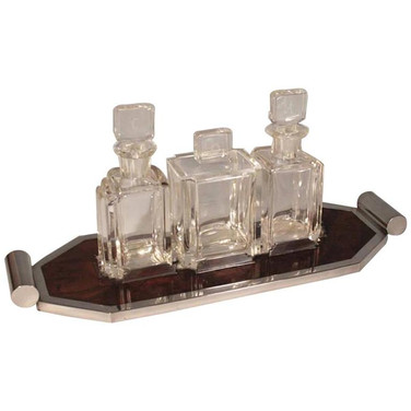 An Art Deco drinking set