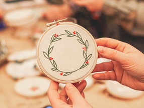 Easy Christmas embroidery craft