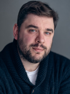 Elio Espana : Director/ Producer