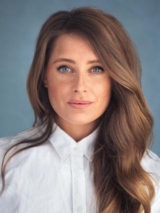 Suzy Bastone : Actor