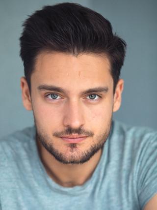 Daniel Julian : Actor