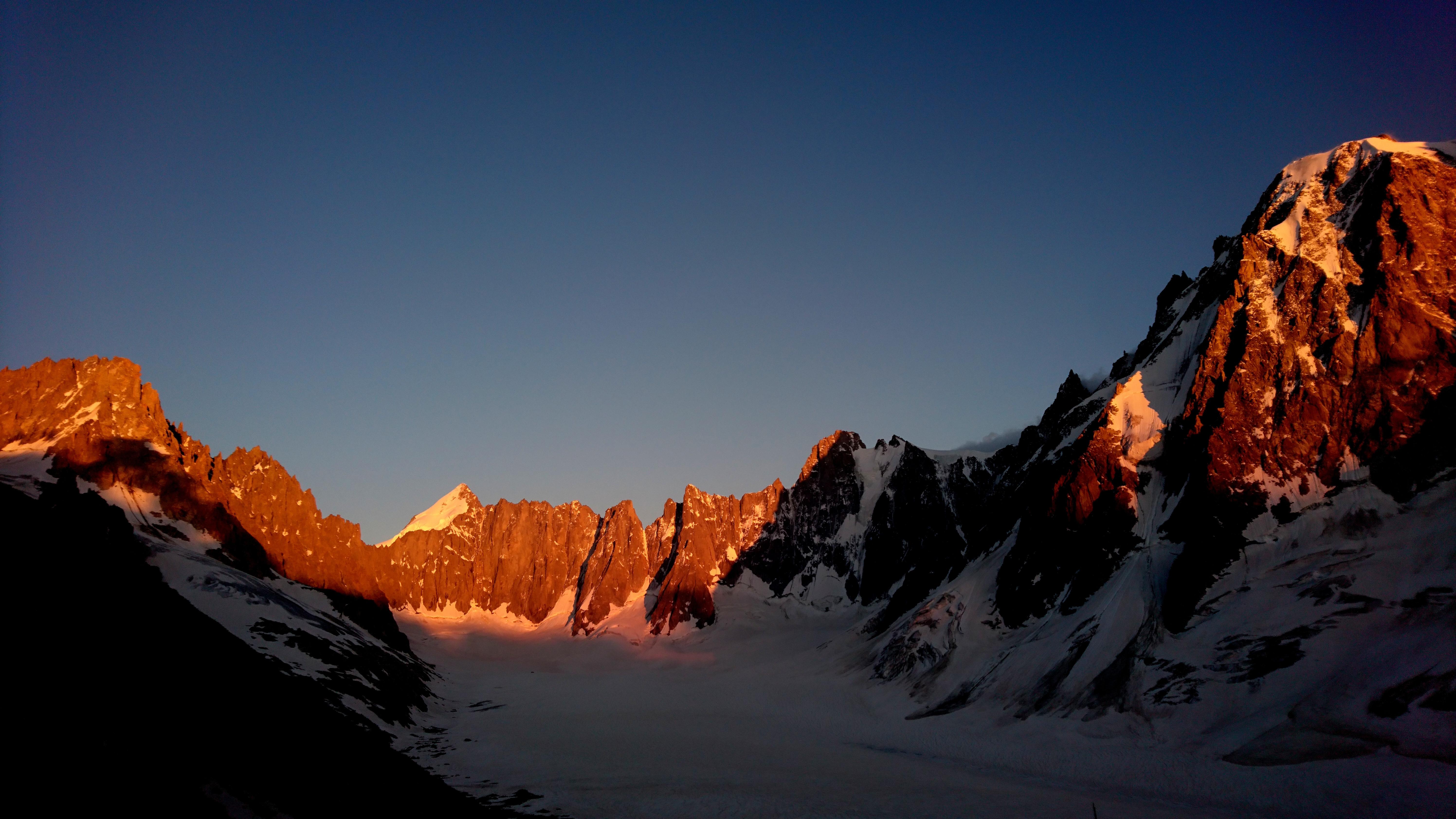 Montagne Massif du Mont-Blanc Montagne Massif du Mont-Blanc Montagne Massif du Mont-Blanc Montagne M