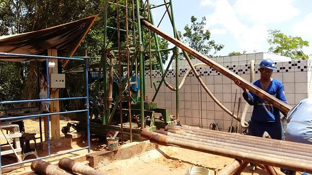 """Perfuração de poços - 152 m em 12"""""""