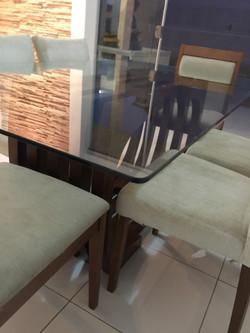 Detalhe de Tampo de Mesa em Vidro Temperado Incolor 10mm