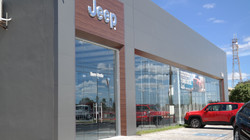 Fachada Jeep