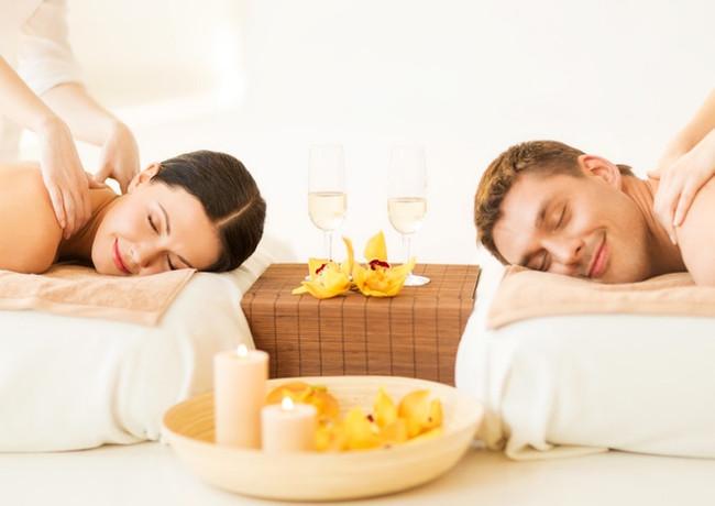 Enjoy a Couples Massage!