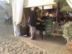 djiing in the beach
