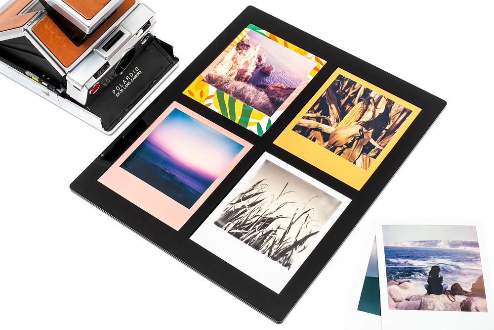 Die Polaroid Scan Maske bietet Platz für vier Fotos (Polaroid SX-70, i-Type und 600er Film), sowie Fuji Instax Wide
