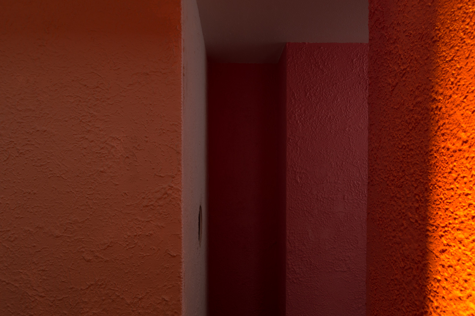 Interior of light study model of Casa Luis Barragán by Noreile Breen at the Venice Biennale 2018