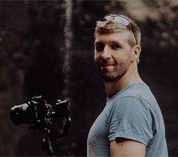 Als Cinematographer ist es mein Ziel, Euren Hochzeitstag im Kino Look zu kreieren.