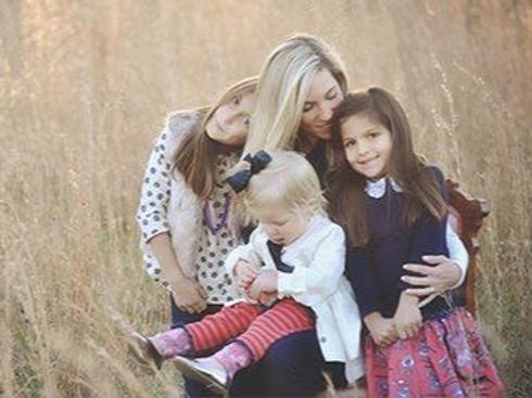 Family Mini Sessions- September 19th  ($275)