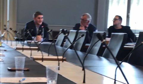 Jonas Müller, Studierender; Flavien Allenspach, Moderator; Stefan Studer, Geschäftsführer Angestellte Schweiz, Vorstand Verein Modell F