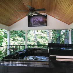 Outdoor TV with 5.1 Surround Sound System Hot