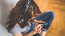 OMS: 1,1 bilhão de pessoas podem ter perdas auditivas porque escutam música alta